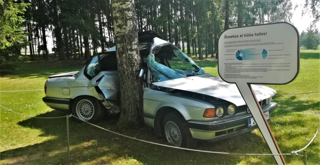 Estonian Road Museum - BMW crashed into tree
