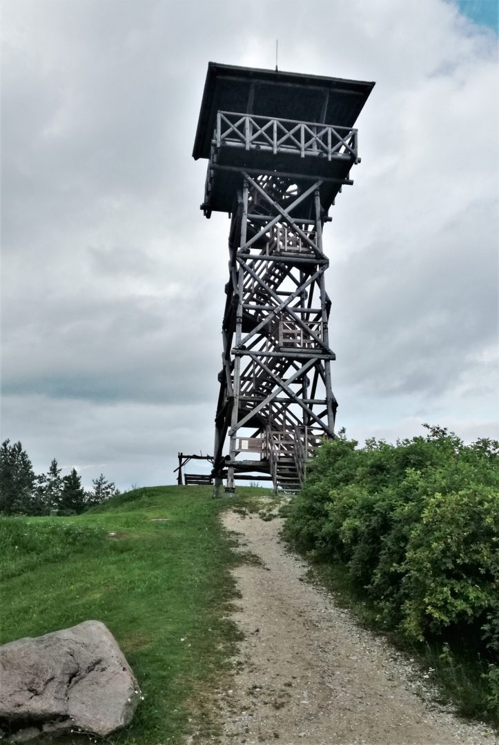 Lähte watchtower near Lake Saadjärv