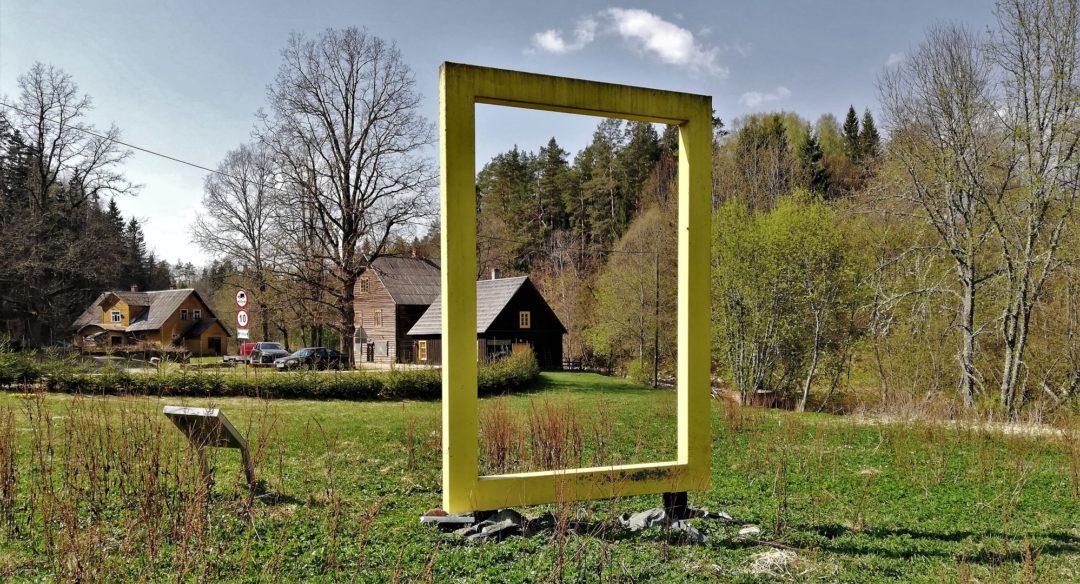 "View to the Süvahavva village chamber ""Külakoda"" through the National Geographic yellow window"
