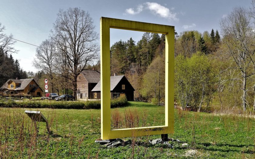 "View to the Süvahavva village chamber ""Külakoda"" through the National Geographic yellow window"