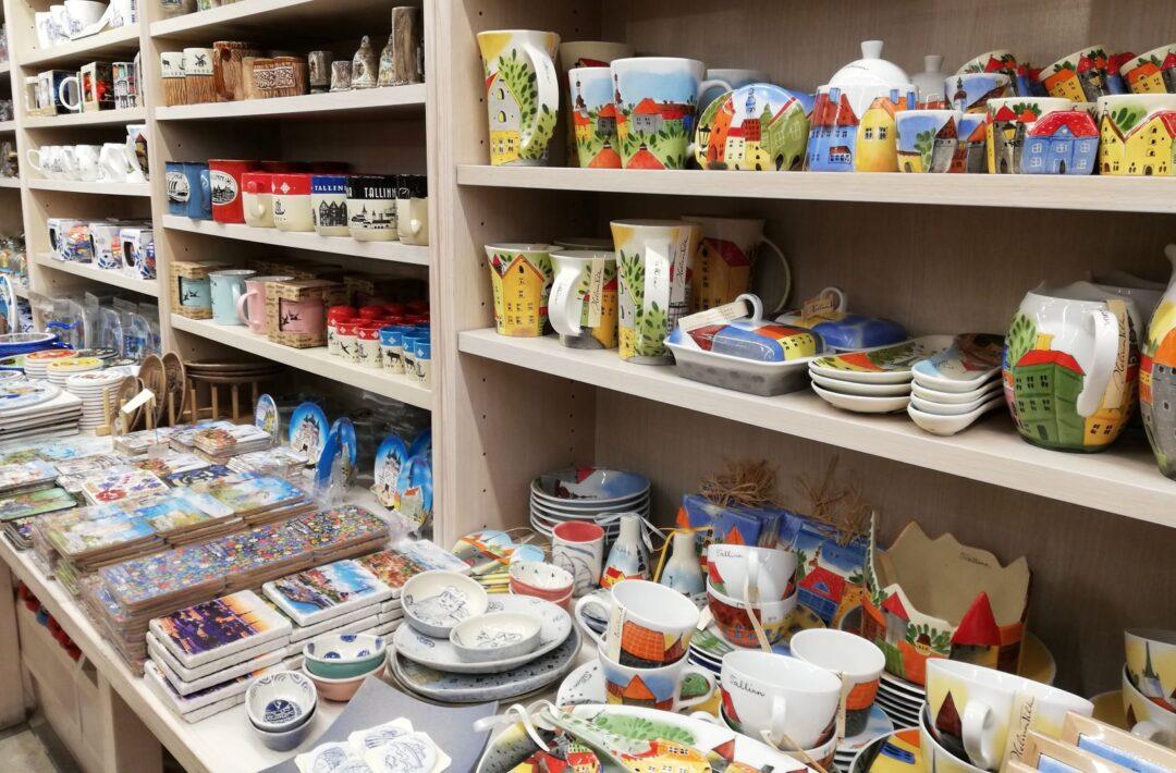 ceramic souvenirs in Tallinn_sovenir shop Hää Eesti Asi