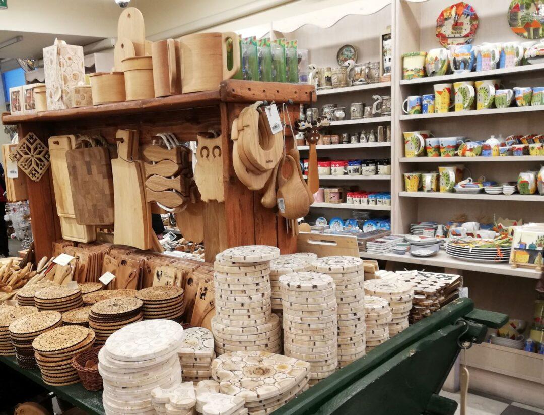wooden products in Tallinn souvenir shop Hää Eestti Asi